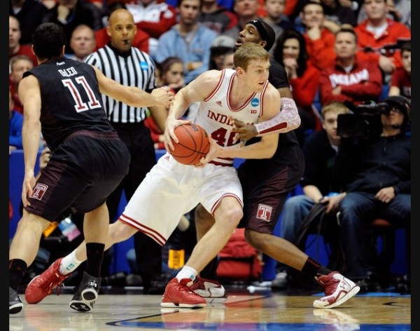Indiana's Cody Zeller #40  goes against Temple's Anthony Lee #3 on March 24, 2013. (Photo by: Jason Miller/Getty Images)