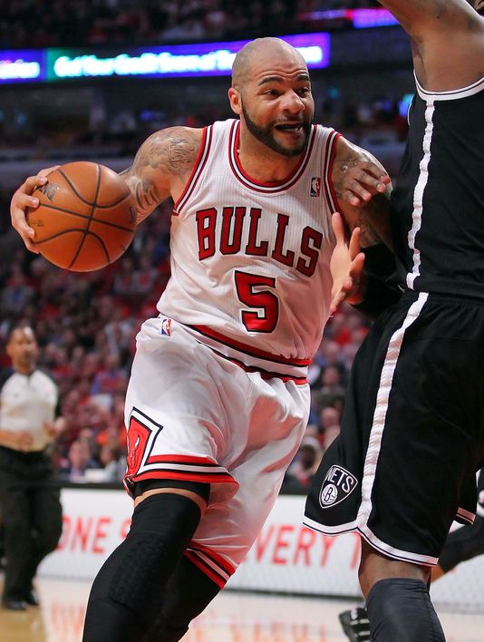 Carlos Boozer provided everything the Bulls needed in a 79-76 win over the Brooklyn Nets. (Photo: Dennis Wierzbicki, USA TODAY Sports)