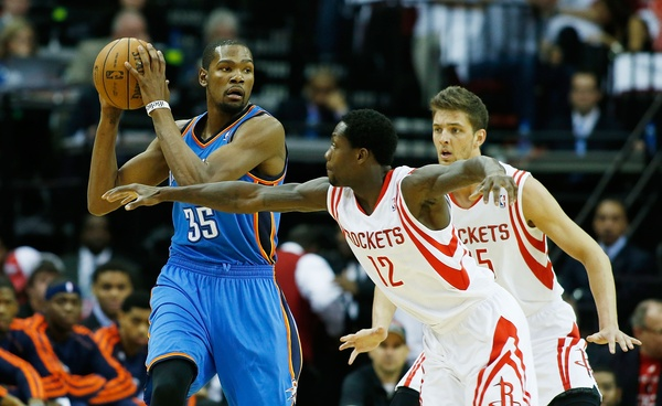 Thunder forward Kevin Durant is doing all he can to keep the Oklahoma City competitive without point guard Russell Westbrook. (Photo by: Scott Halleran/Getty Images)