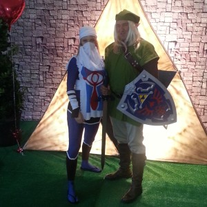 Sheik and Link from Legend of Zelda.